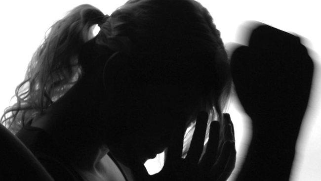 насилие над женщиной